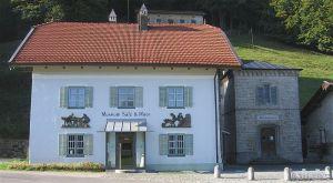 800px-Museum_Salz_und_Moor_Grassau-1